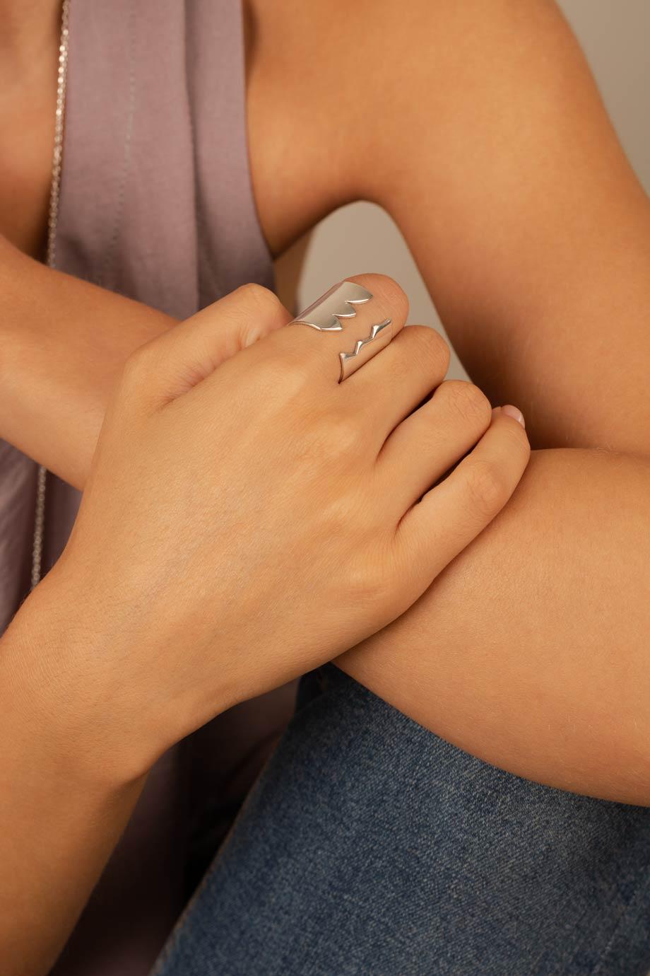 انگشتر نقره زیگزاگ