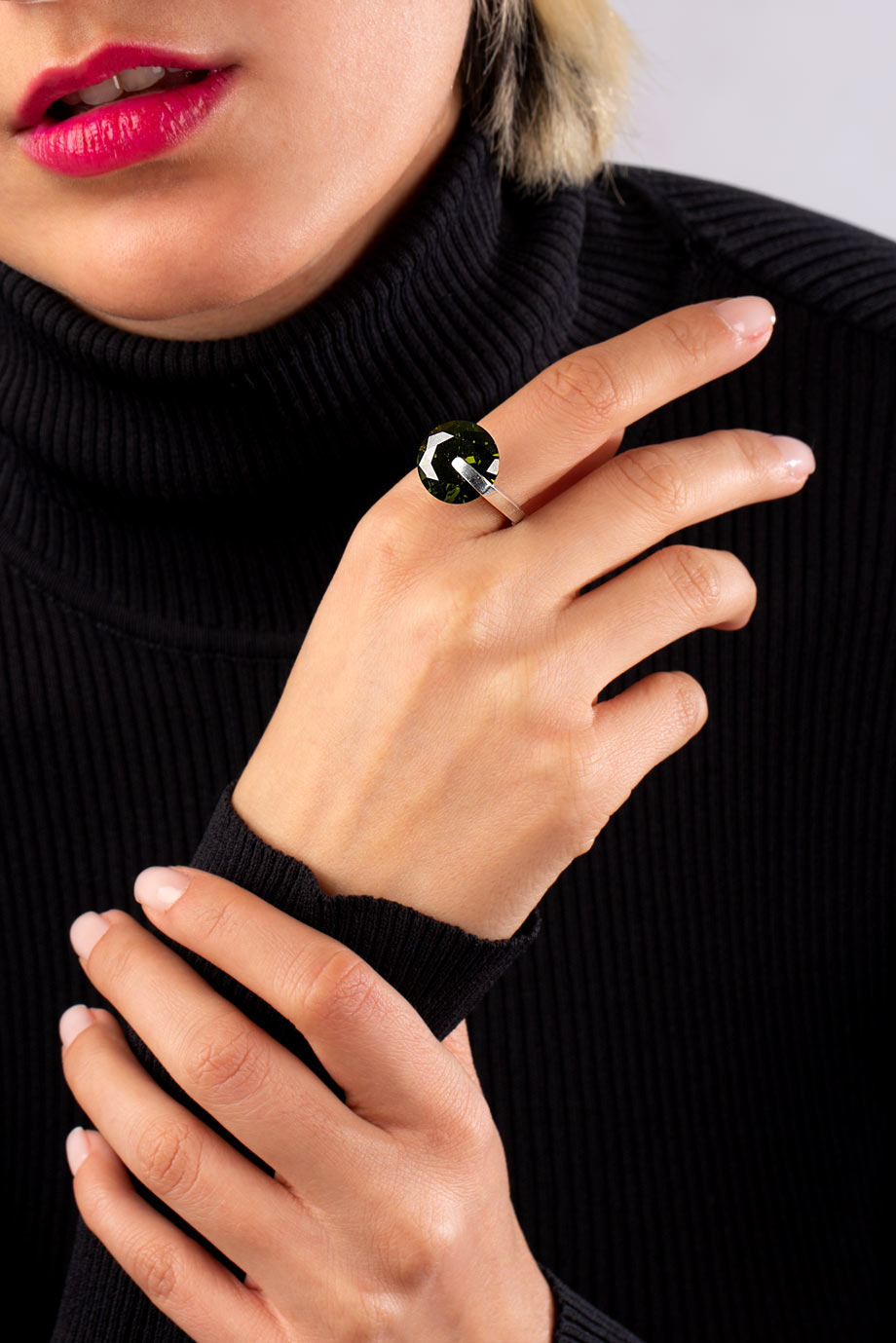 انگشتر نقره الماس سبز